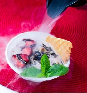 криогенное-мороженое-с-азотом-740x1148-279x300